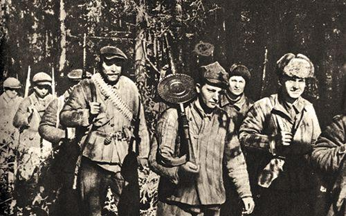 """Partizānu kustība Baltkrievijā... Autors: Raziels """"Melnā ordeņa"""" soda bataljons"""