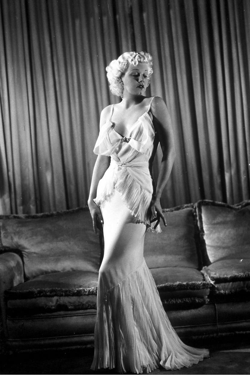 Jean HarlowVēl viena aktrise... Autors: Lestets Modes ikonas no 1930-tajiem