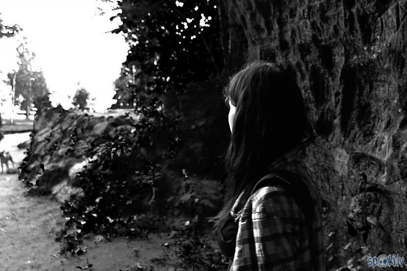 Vērojot dzīves laiku un skriet... Autors: Tenebris Viņa ir prom - Īss video stāsts