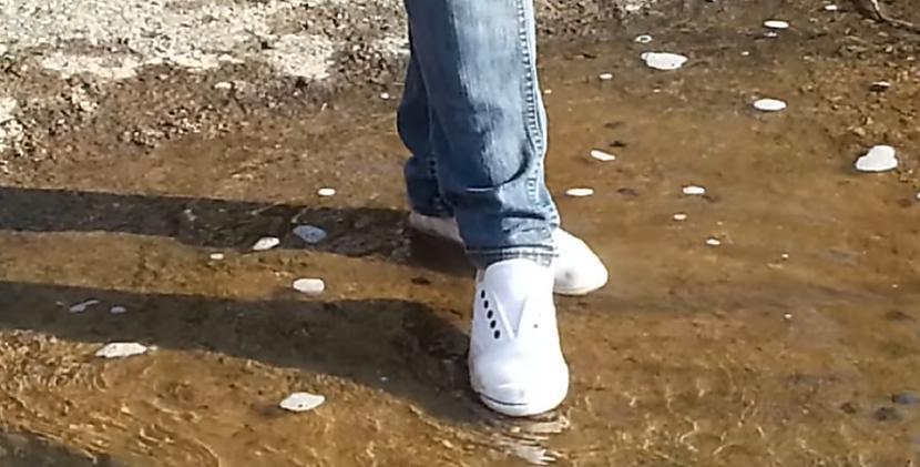 """Daudzas meitenes to dara pat... Autors: Fosilija """"Lietus sandaļu"""" testi: modernās kedas"""