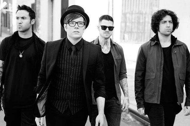 Fall Out Boy  Sugar Were Goin... Autors: Gufija Vēsturiskas, bet labas dziesmas 16.