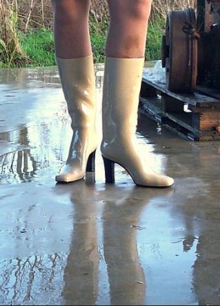 Autors: Wilkiraine2017 Augstpapēžu lietus zābaciņi - Patrix Cox white