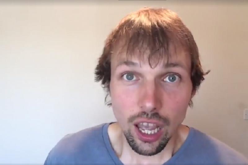 laquoMan ir 36 gadi un es esmu... Autors: EV1TA Nesmieklīgākais komiķis Gatis Kandis tirgo savu nevainību