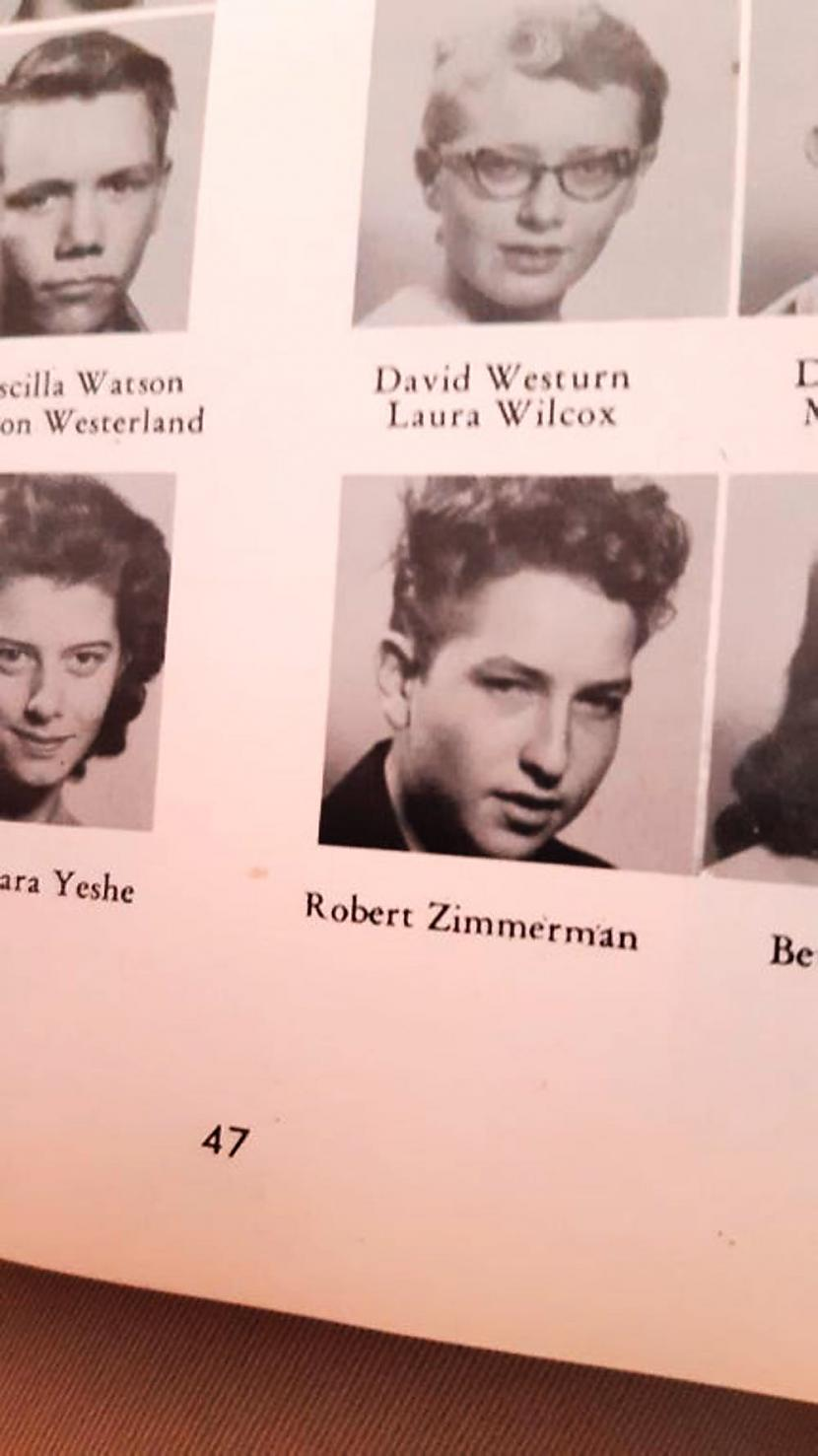 Nepazīstat Robertu Zimmermanu... Autors: Lestets Vēsturiskas bildes, kurām vajag paskaidrojumu