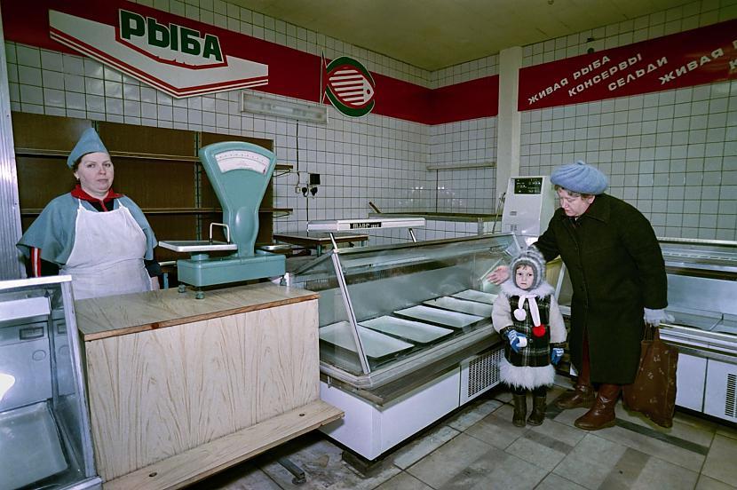 Pilnīgi tukscarons veikals... Autors: Lestets PSRS pēdējo dienu fotogrāfijas