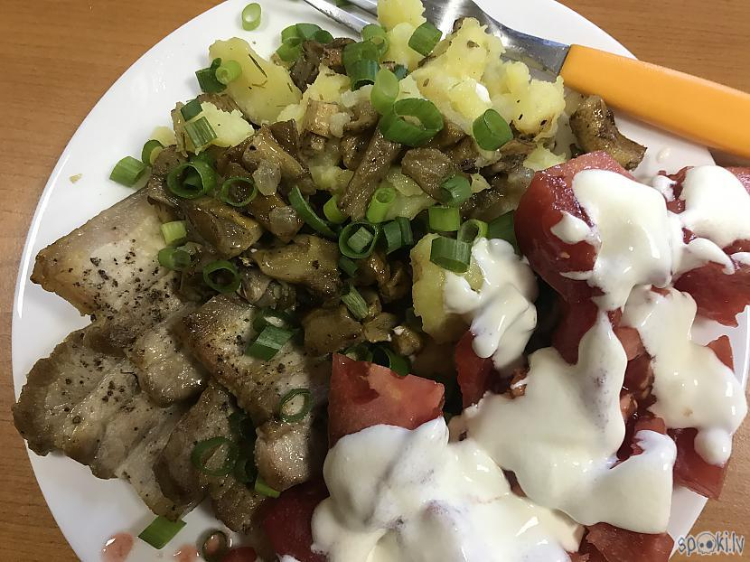 Kopā ar kartupelīscaroniem... Autors: ezkins Atkal sēnītes