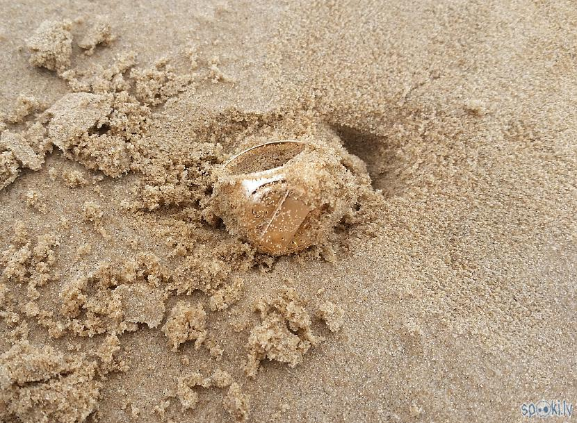 Un te pēkscaronņi scaronī... Autors: pyrathe Ar metāla detektoru pa pludmali 2020 (oktobris)