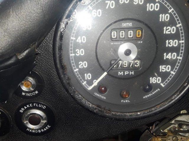 Autors: Zibenzellis69 Atrasts sarūsējis Jaguar E-Type stāvēja 30 gadus bez kustības (20 fotoattēli)