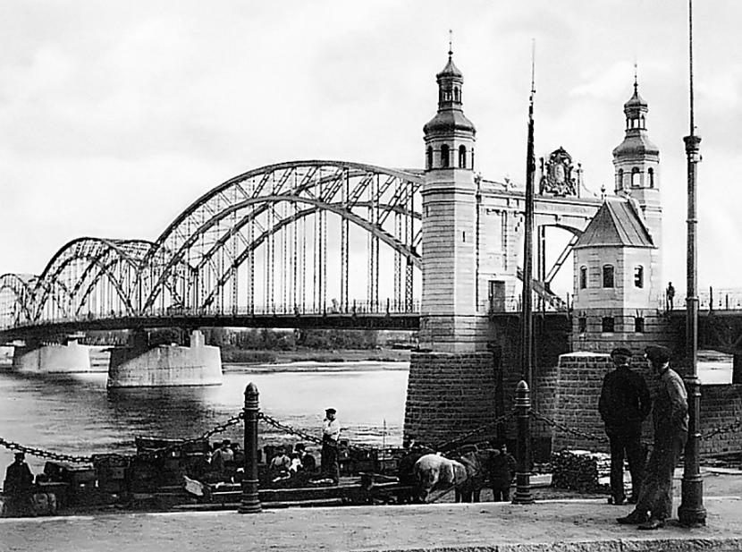 Pār Nemunas upi 1907 g tika... Autors: Lestets Kā Tilzīte kļuva par Sovetsku un pilsētas traģiskās pārvērtības
