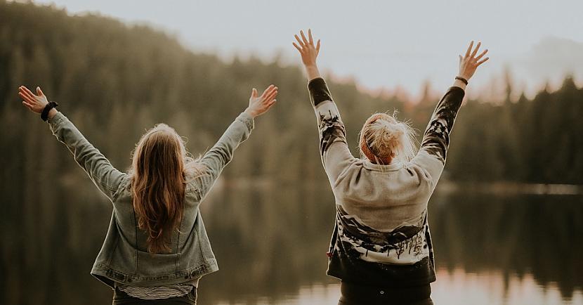 Žesti lai signalizētu par... Autors: Lestets 8 svarīgi roku žesti, ko katram vajadzētu zināt