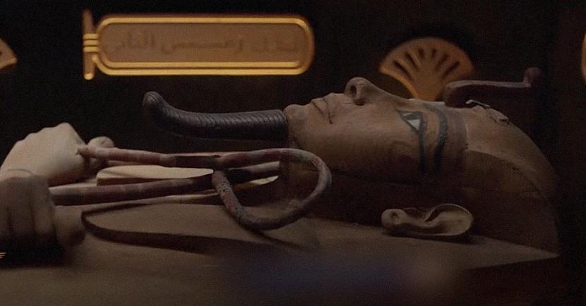 18 valdnieku un četru... Autors: matilde Video: Faraonu parāde! Ēģiptē pārvestas valdnieku un valdnieču mūmijas