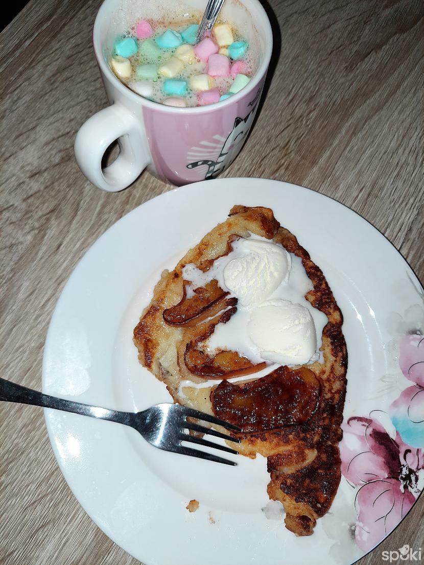 Autors: aniii7 Karamelīgi kanēlīgā kefīrpankūka