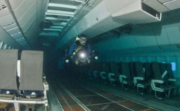 Vien nogrimusi lidmascaronīna Autors: Lestets Cilvēka veidoti zemūdens objekti, kas liks bailēs peldēt prom