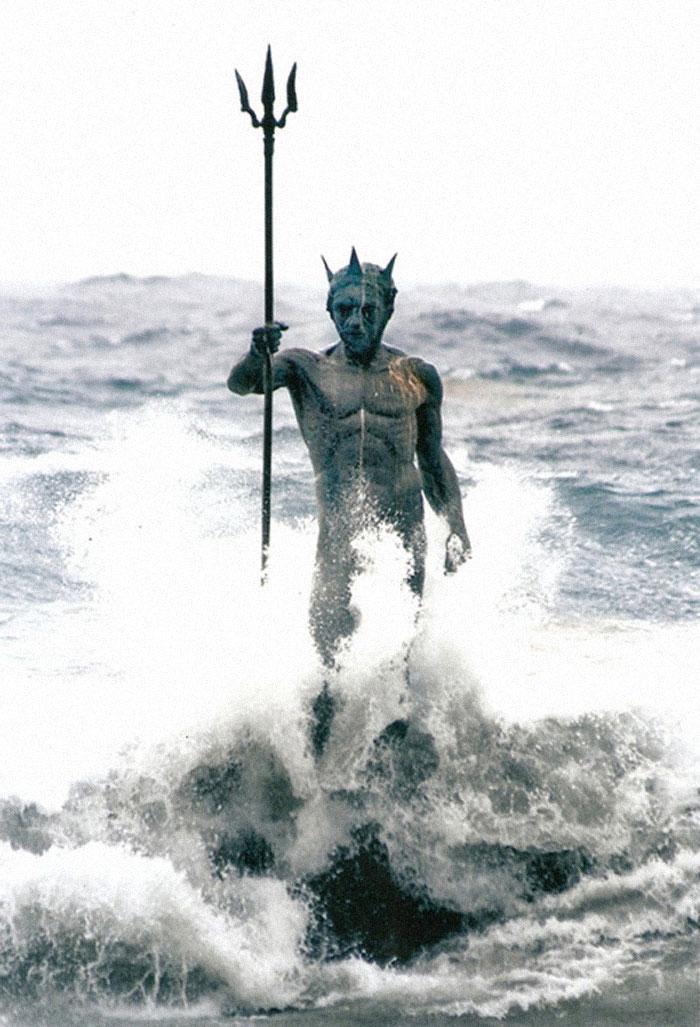 Poseidona statuja Spānijā Autors: Lestets Cilvēka veidoti zemūdens objekti, kas liks bailēs peldēt prom