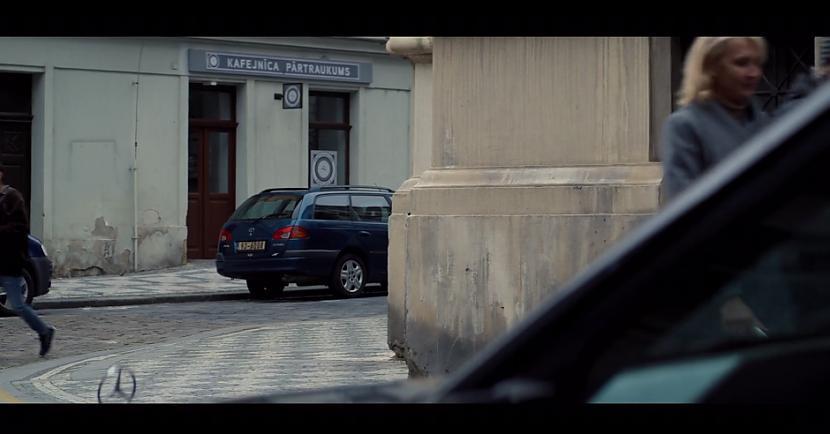 Seriāla veidotājiem laikam... Autors: matilde Video: Rīgā ierodas slaveni supervaroņi un apmeklē kafejnīcu