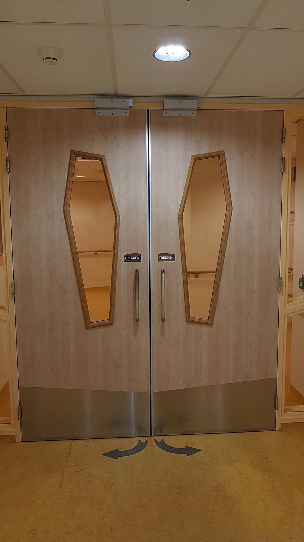 Zārka formas logi slimnīcā Autors: The Diāna 16 slimnīcas ar ļoti dīvainu dizainu