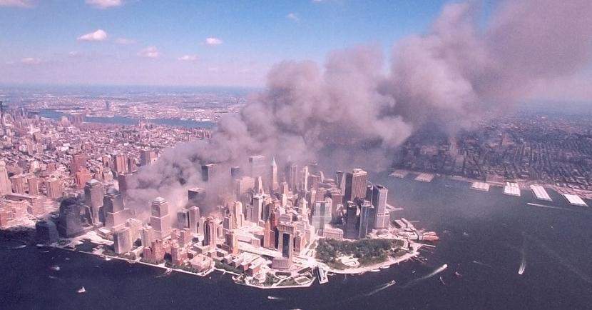 Aizdomas par iekscaronējās... Autors: matilde Sazvērestības teorijas, kas arī pēc 20 gadiem apvij 11. septembra traģēdiju ASV